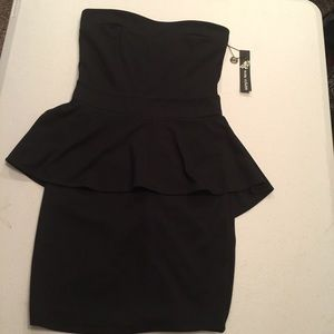 Poof couture peplum dress NWT